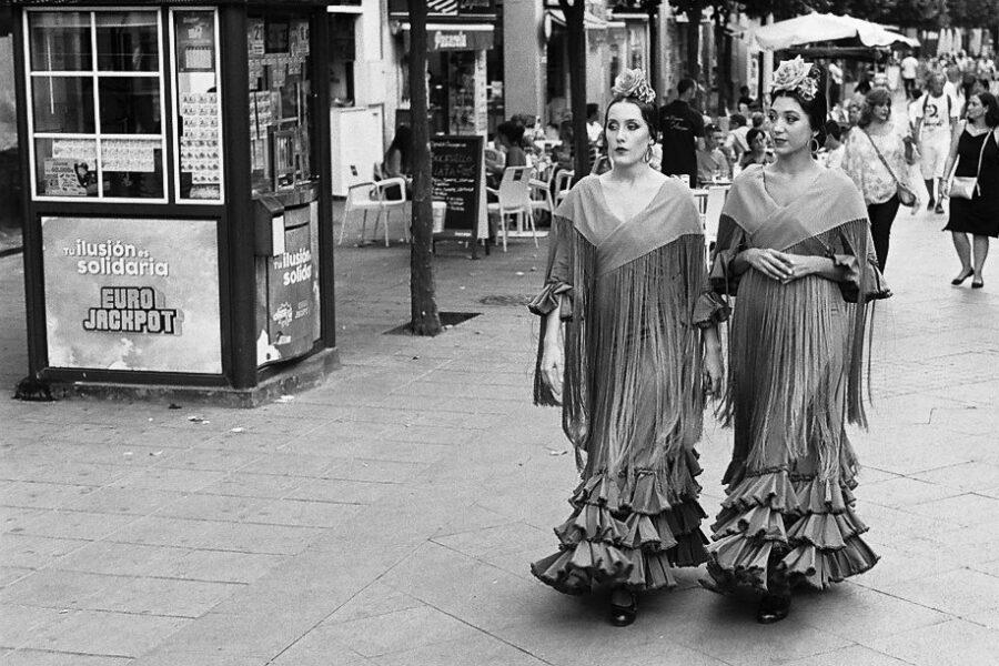 Harbel Photography, The Twos - Señoritas. Señoritas stepping out. Vera Fotografia